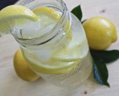12 Gründe für Zitronenwasser